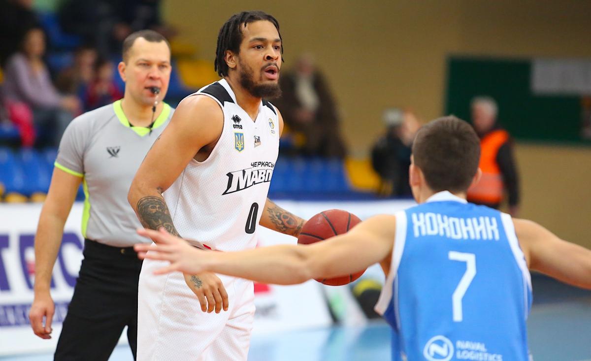 Обезьяны одержали первую домашнюю победу в матче Суперлиги / fbu.ua