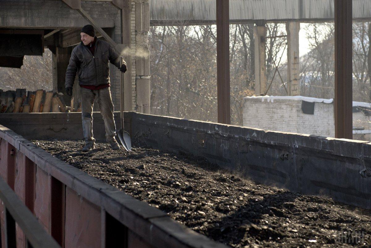 Росія щороку вивозить з ОРДЛО тонни вугілля на сотні мільйонів доларів / фото УНІАН