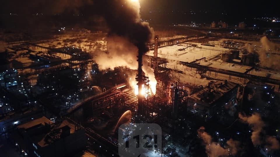 Всього в гасінні пожежі було залучено 20 одиниць техніки і 110 осіб / фото t.me/IF112