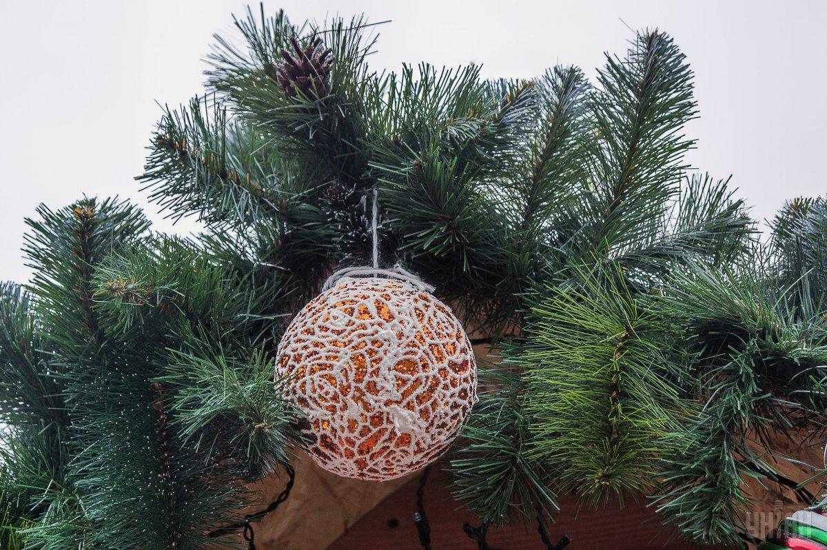 На новорічно-різдвяні свята українці відпочиватимуть 8 днів / Фото УНІАН