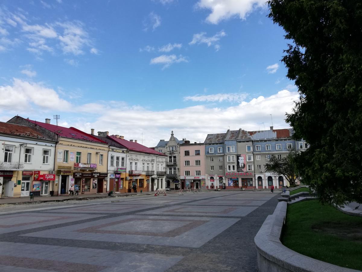 Площадь возле ратуши Дрогобыча / Фото Марина Григоренко