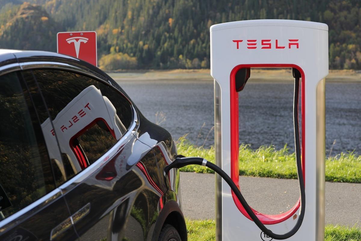 Первые станции Tesla появятся в Ривненской и Житомирской областях / фото pixabay.com