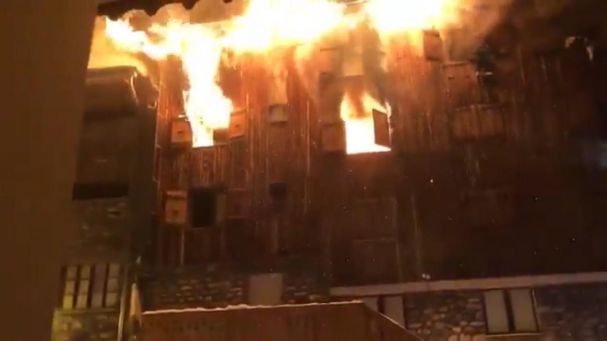 На французском курорте Куршевель произошел крупный пожар / скриншот - Twitter, Infos Françaises