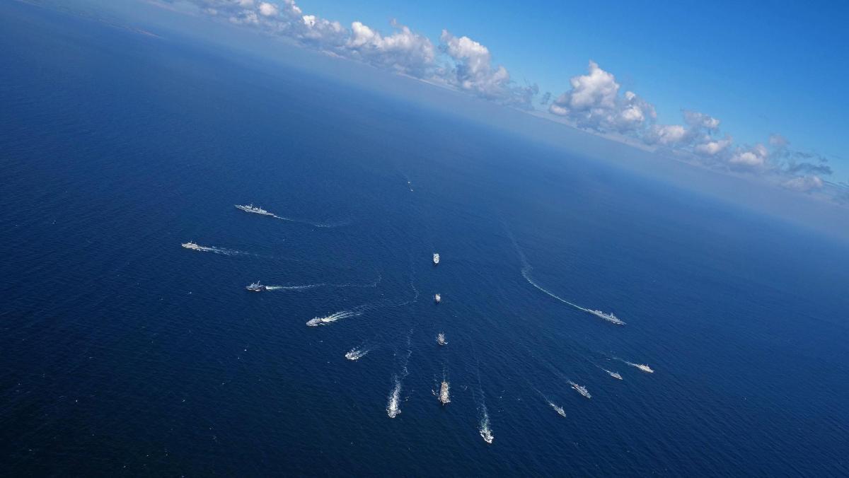 Наблюдения за действиями американских военных кораблей осуществляется корветами \ mc.nato.int