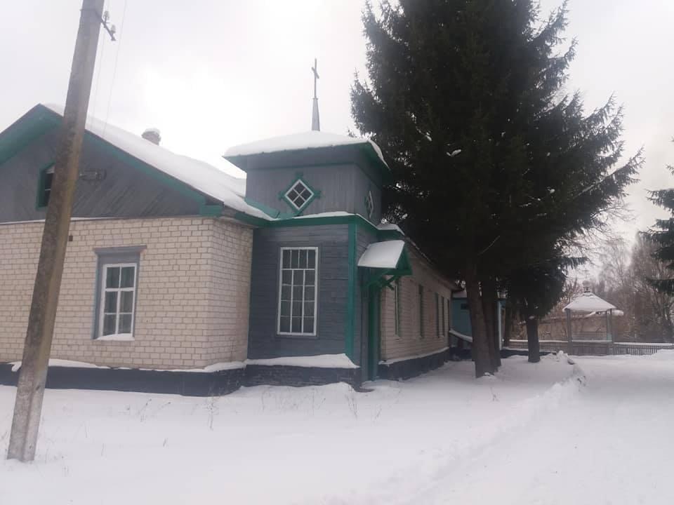 На думку настоятеля храму, за перехід до ПЦУ голосували тільки 4-6 жителів Оленівки / фото facebook.com/Євген Орда
