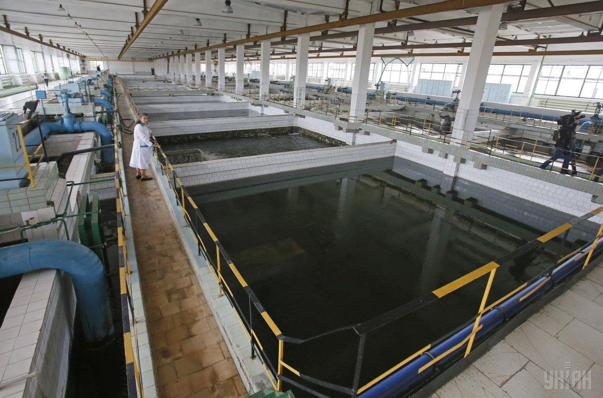 Бассейны для очистки воды на Деснянской водопроводной станции / фото УНИАН