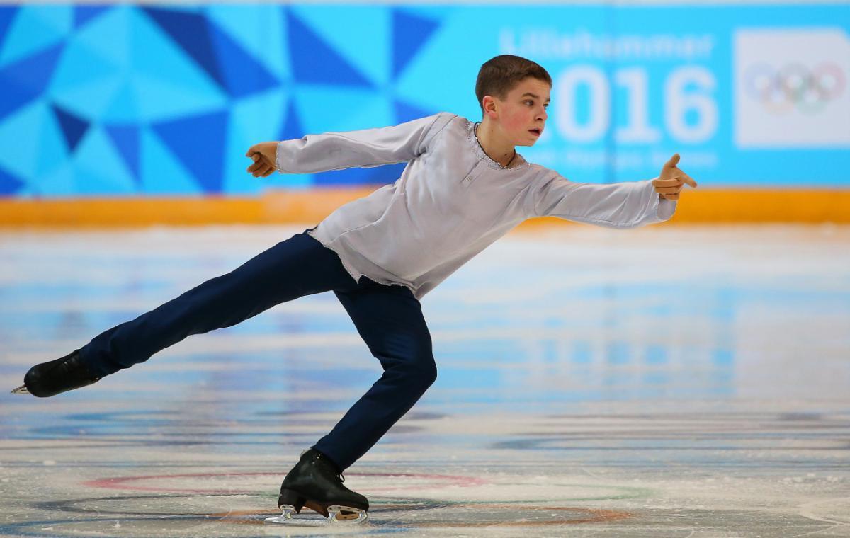 Действующийчемпион Украины Иван Шмуратко выиграл сереброЮношеской олимпиады-2016 в командном турнире /Figure Skating Costumes