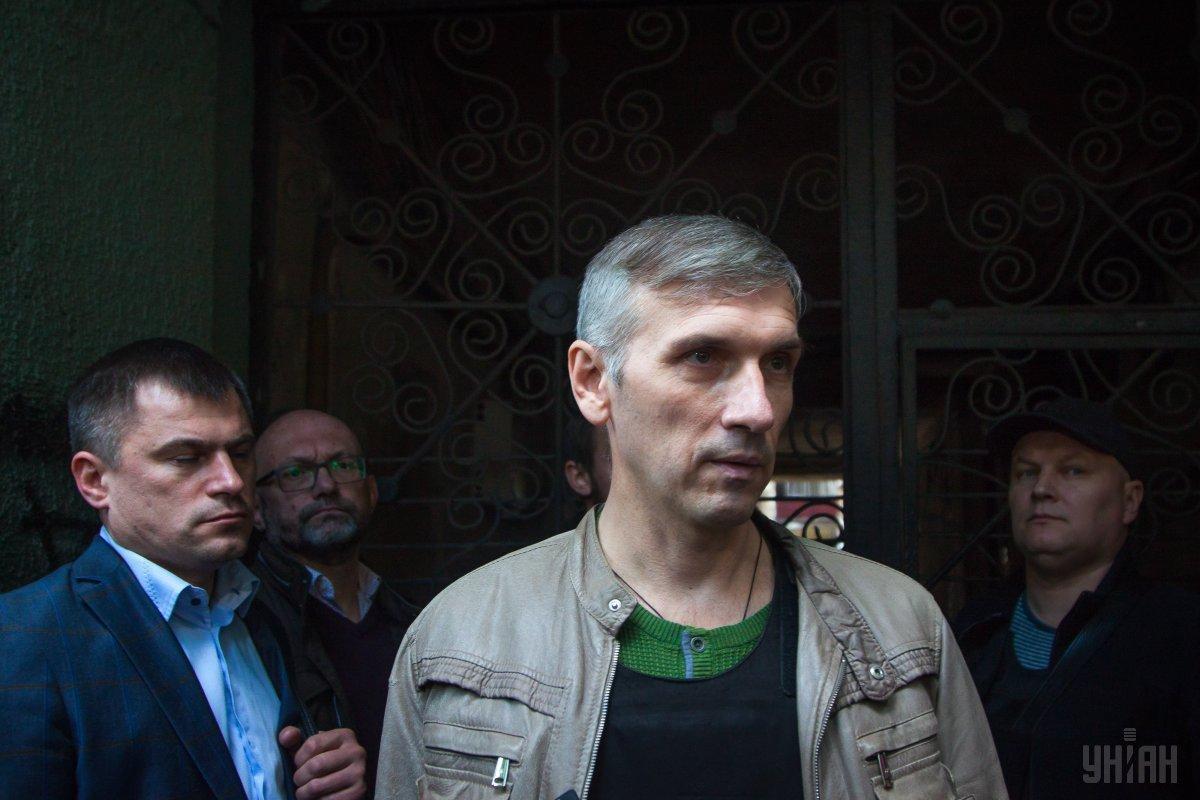 Олег Михайлик получил проникающее огнестрельное ранение в плечо и в область грудной клетки / фото УНИАН