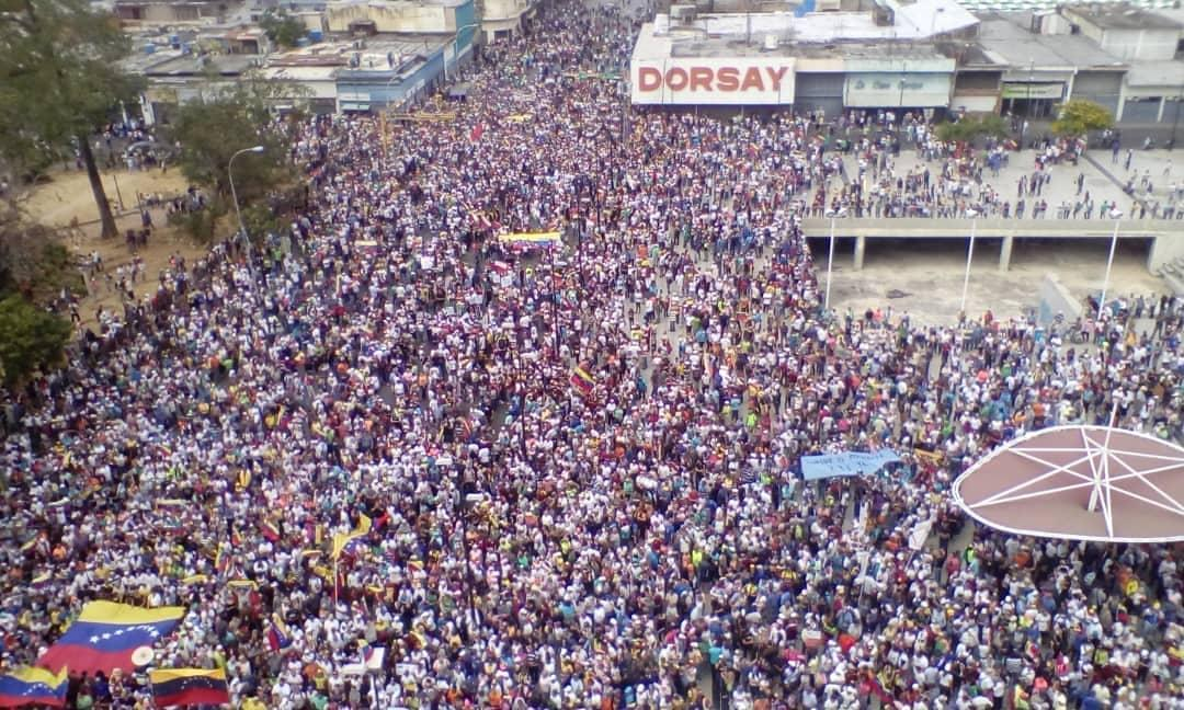 В Венесуэле разразился политический кризис / фото twitter.com/jguaido