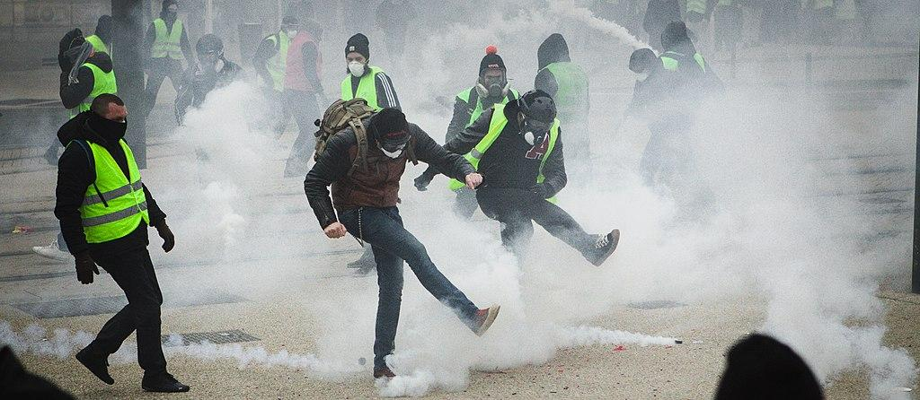 Полиция применяла водометы и слезоточивый газ/ wikimedia.org
