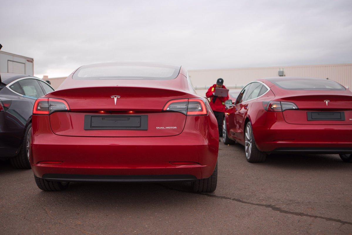 Tesla будет играть грабителям классическую музыку / фото twitter.com/Tesla