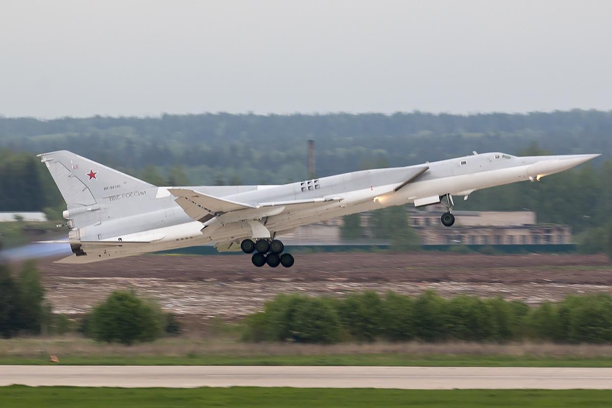 Российские Ту-22М3 в Крыму представляют угрозу для стран НАТО / фото flickr.com/44400809@N07