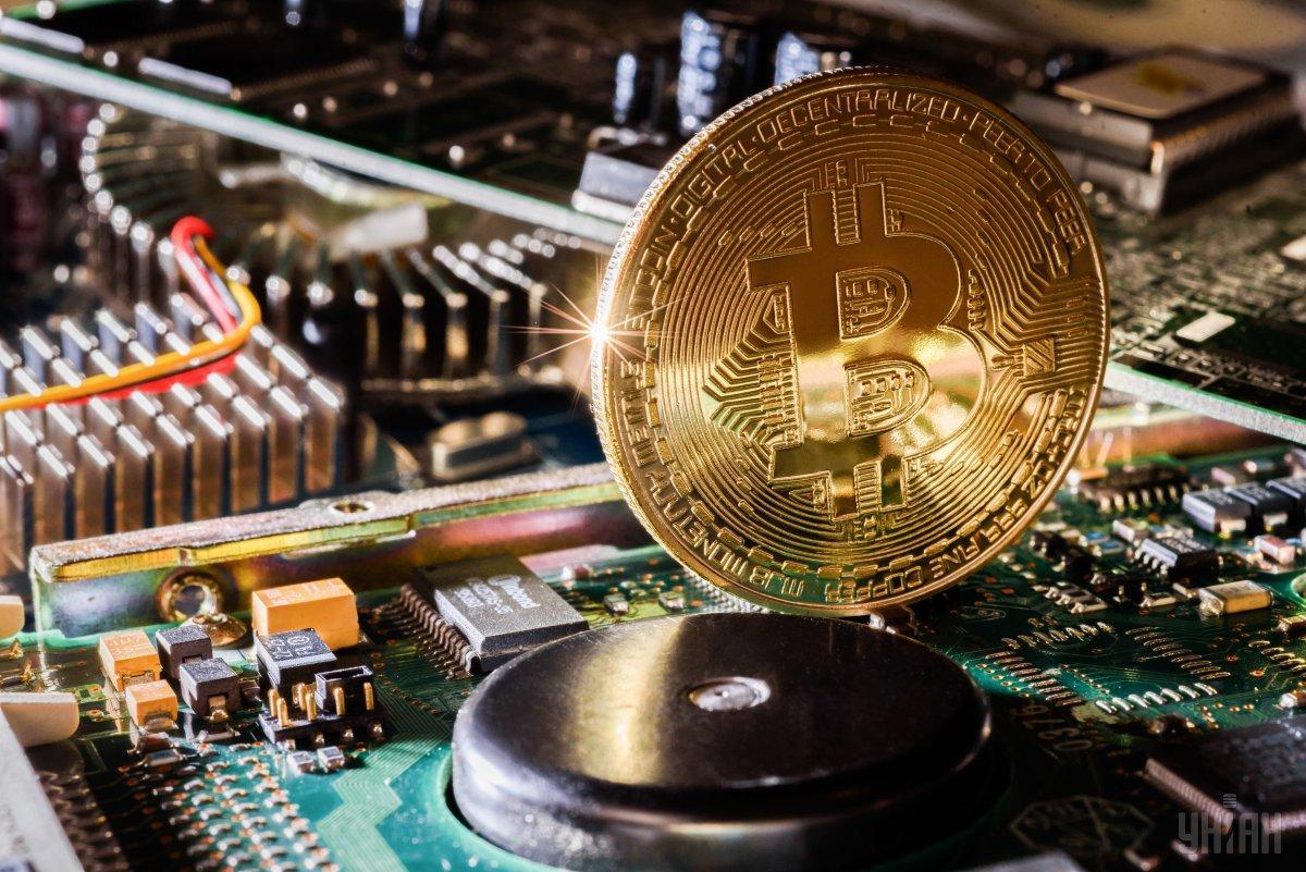 Криптовалюты, такие как биткоин,имеюттенденцию к значительным колебаниям в стоимости / фото УНИАН