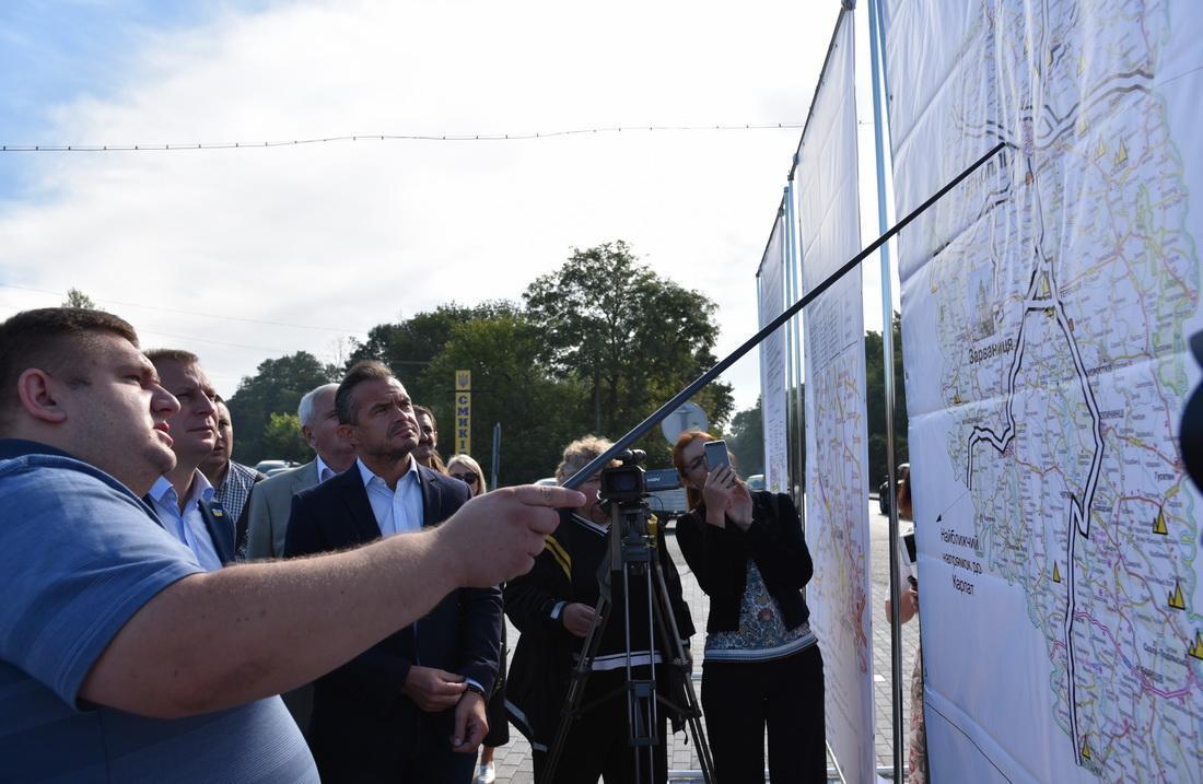 Оцінюючи у вересні якість проведених ремонтних робіт в області, керівник Укравтодору Славомір Новак відзначив, що Тернопільщина стала одною з найкращих областей за темпами будівництва доріг