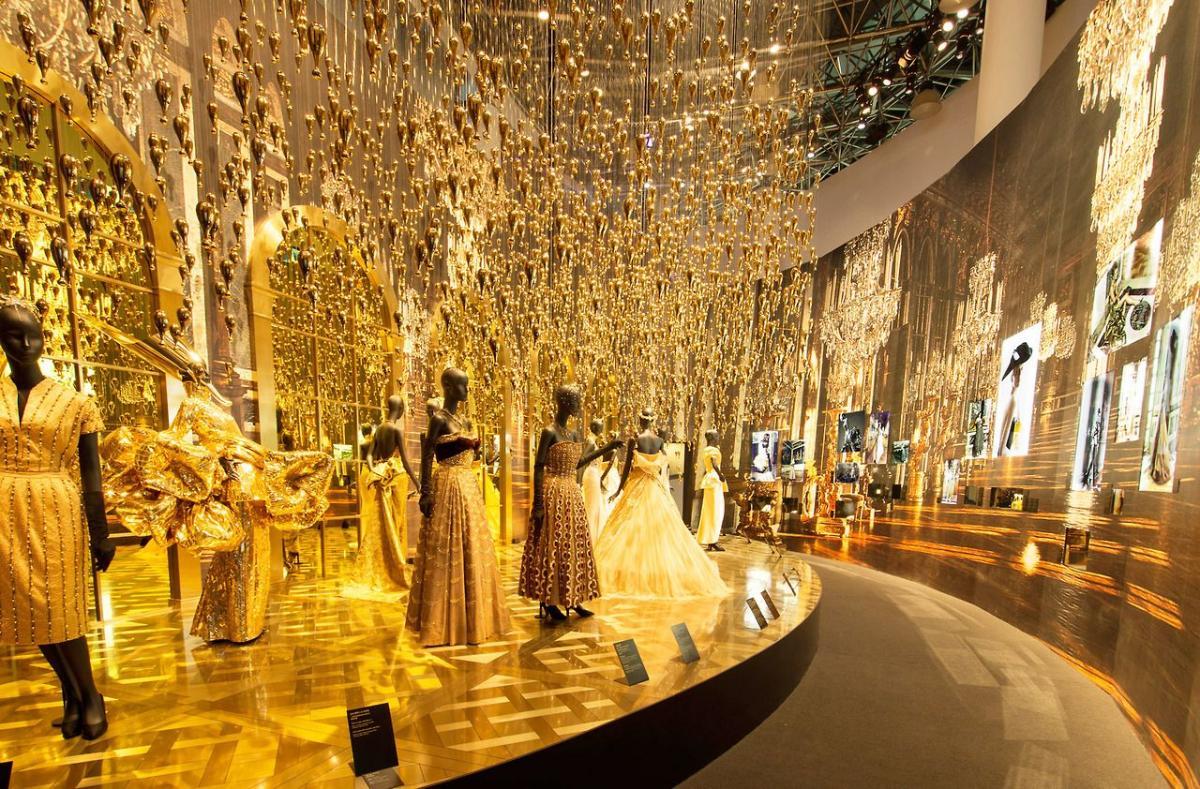 Выставка французского дома моды Dior в музее Шанхая / Фото google.com