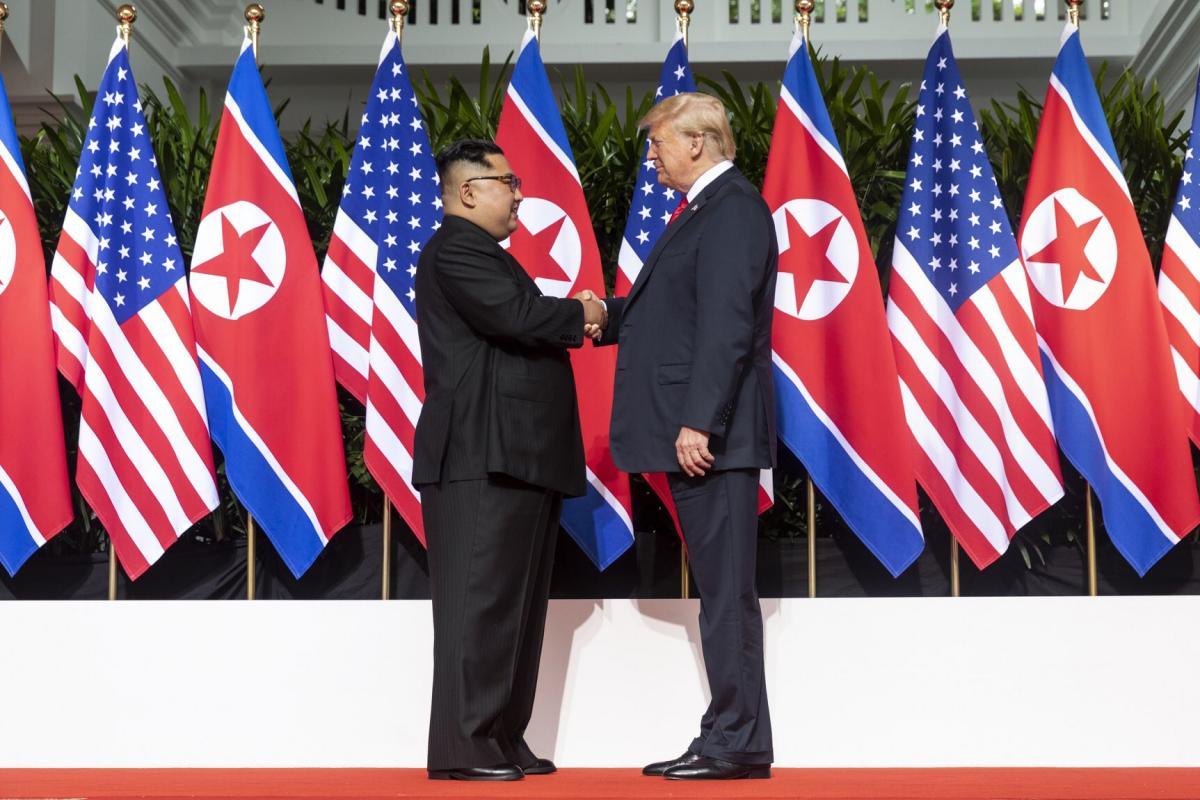 Ким Чен Ын отправился на бронепоезде на встречу с Дональдом Трампом