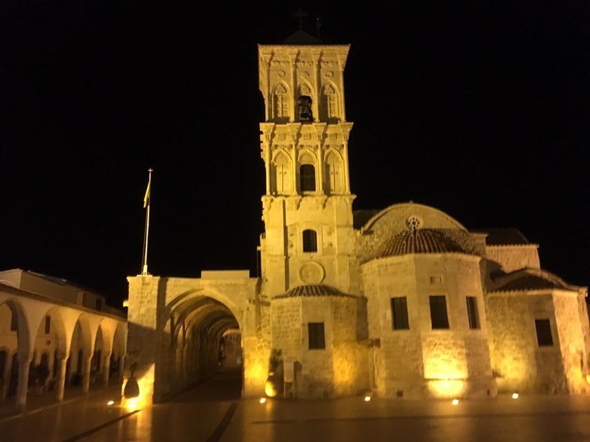 Церковь Святого Лазаря в вечернее время / фото Андрей Василюк