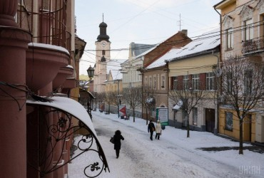 Погода на выходные: в Украине будет тепло и почти без осадков (карта)