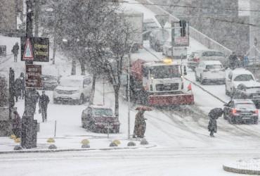 У Гідрометцентрі розповіли, коли в Україні припиняться сильні снігопади