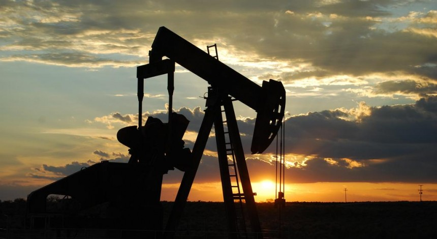 Reuters: Oil falls but prices still elevated after attacks on Saudi facilities