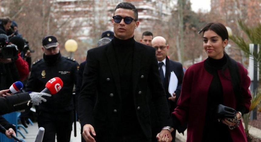 Суд засудив Роналду до 23 місяців в'язниці умовно і штрафу в майже 19 мільйонів євро