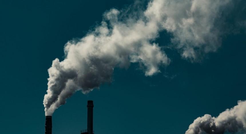 The Guardian: Загрязненный воздух может вызвать паранойю у подростков