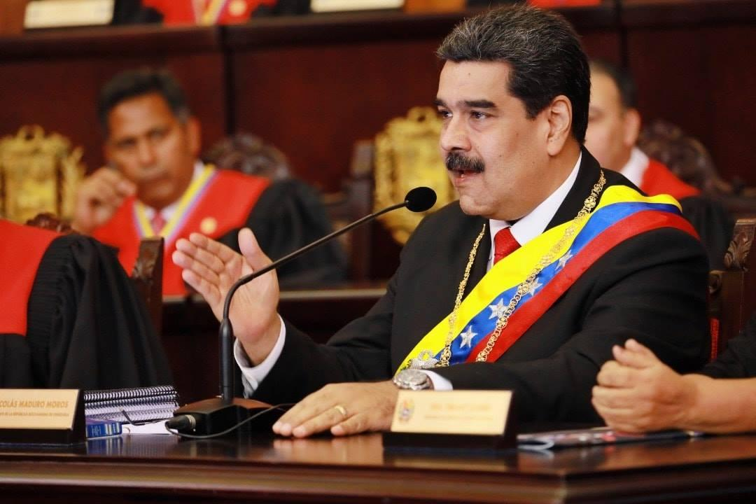 Мадуро заявил, что не сдаст Венесуэлу/ фото facebook/pg/NicolasMaduro
