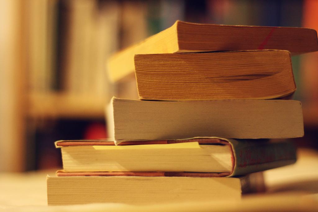В Україну заборонено ввозити з РФ ще 17 книг / фото Flickr