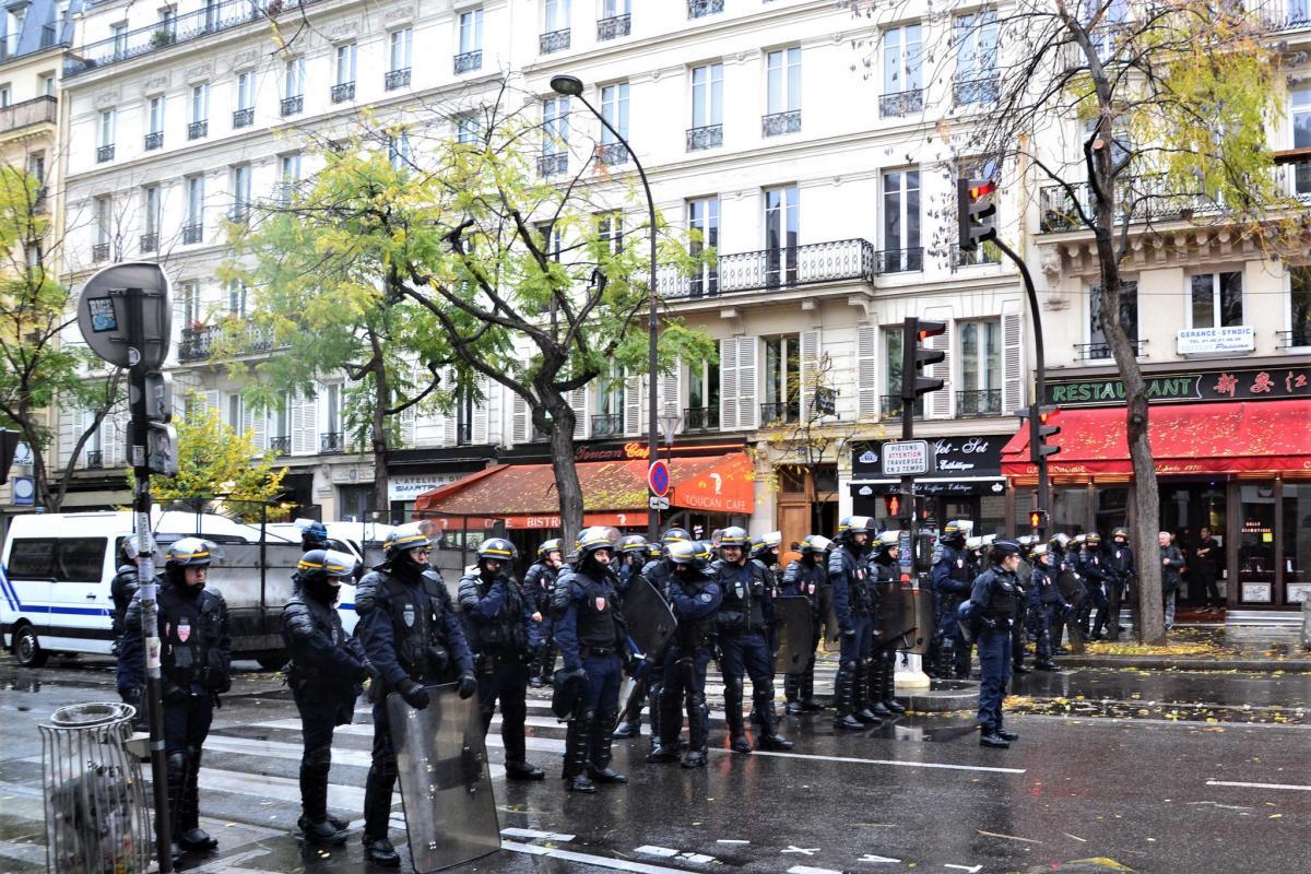 Участник акции «желтых жилетов» обстрелял полицейских воФранции