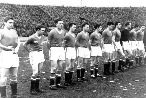 Футболисты перед последнимматчем до катастрофы/ wikipedia.org