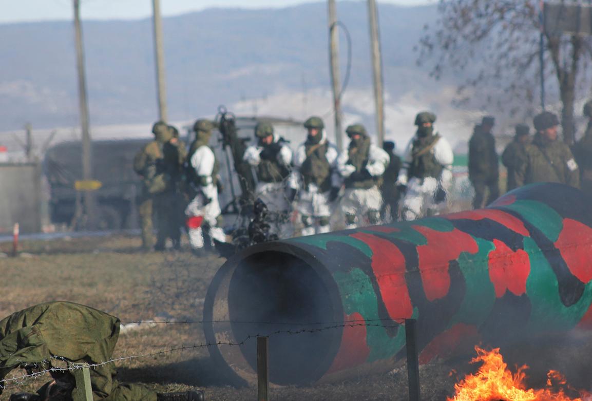 Россияпроводит в своих соединениях на Донбассе подготовку боевой готовности / фото Минобороны РФ