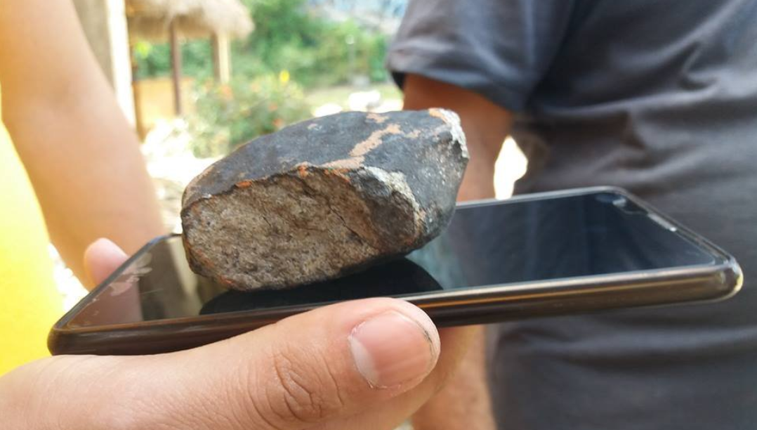 Фрагменти метеорита впали в декількох містах країни \ @ReyGomezteleSUR