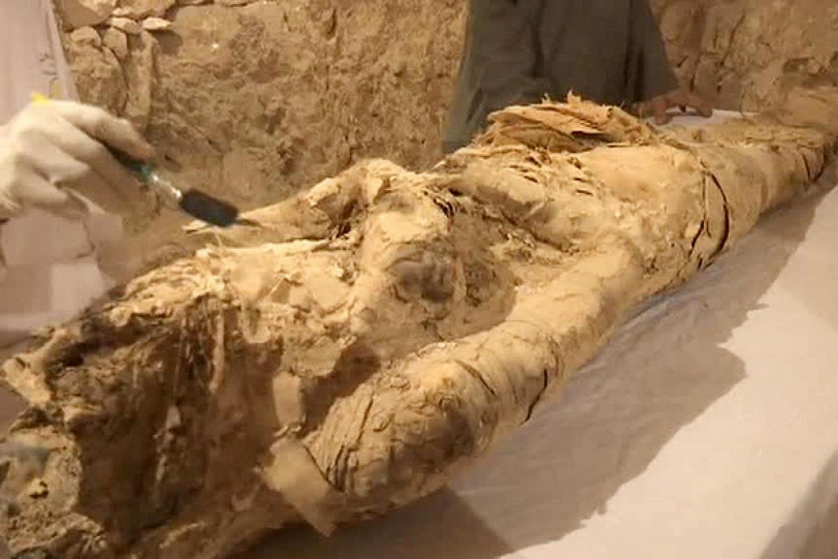Деякі артефакти супроводжено написами давньоєгипетською/ фото з відкритих джерел