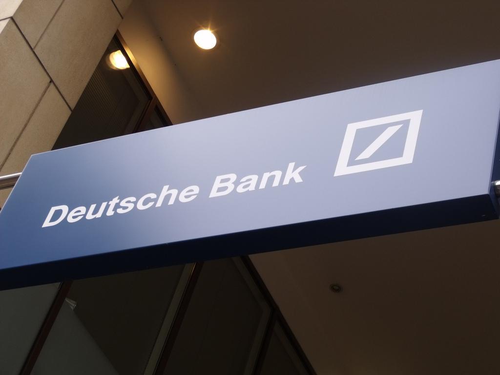 В Конгрессе решили проверить полученный от Deutsche Bank кредит ВТБ / фото flickr/Elliott Brown