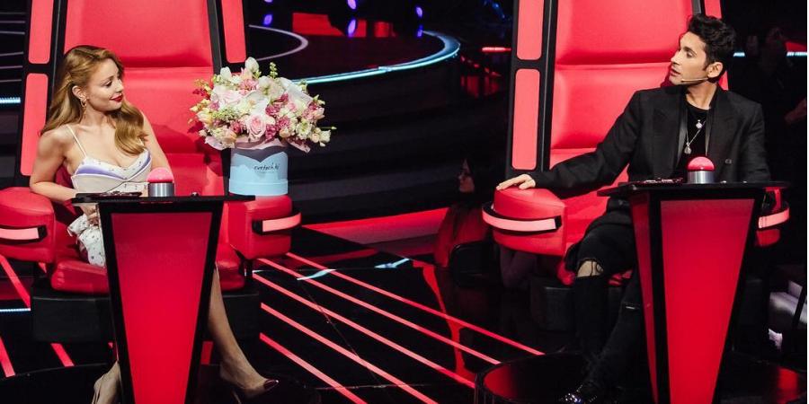 В третьем эфире Дан Балан продолжил кокетничать с Тиной Кароль / Фото: скриншот
