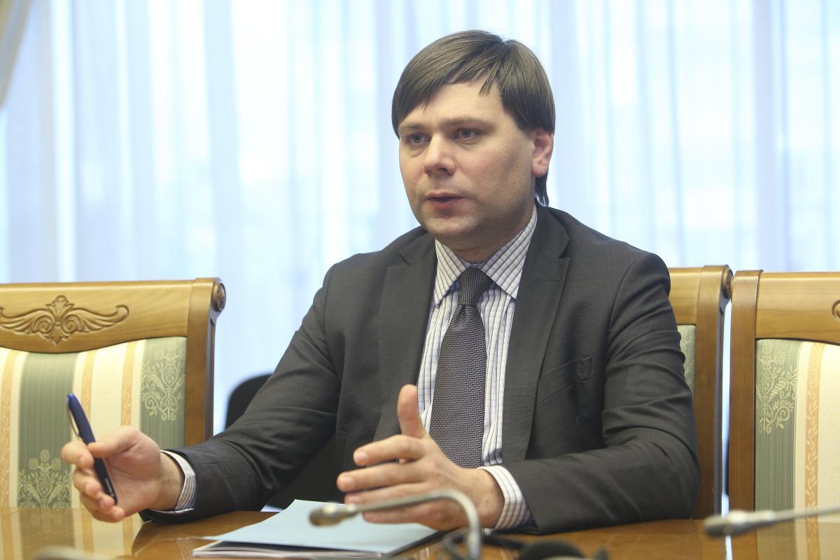 Шкураков нагадав, що Україна започаткувала з МВФ нову 14-місячну програму та вже отримала за нею перший транш / УНІАН