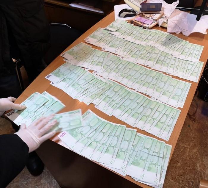 Злоумышленника задержали во время попытки передать взятку / фото ssu.gov.ua