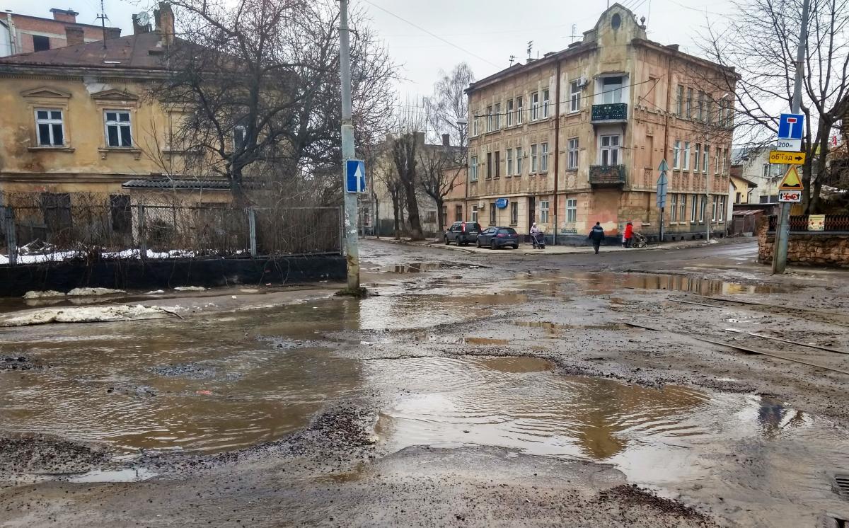 В Україні відновлять близько 4 тисяч кілометрів доріг / фото M. Salo