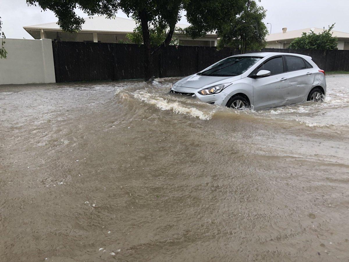 Австралия пострадала от наводнения / twitter.com/allysonhorn