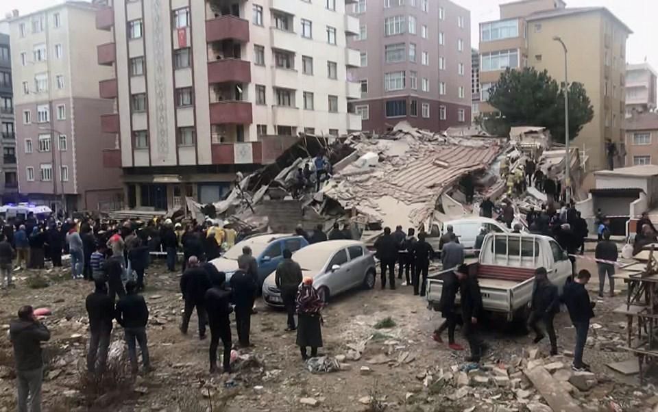 Обвалення 8-поверхового житлового будинку сталося у Стамбулі 6 лютого \ ntv.com.tr