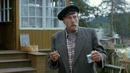 """Зірка фільму """"Любов і голуби"""" помер у 83 роки / скріншот"""