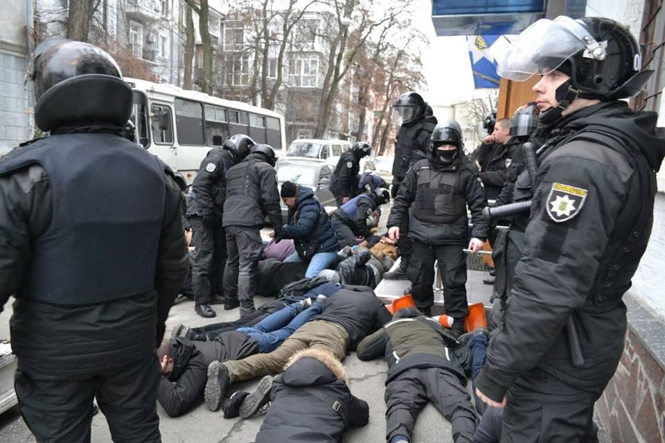 Избитого полицейским активиста С14 руководство полиции шантажировалоуголовнымделом/ facebook.com/Сергій Мазур