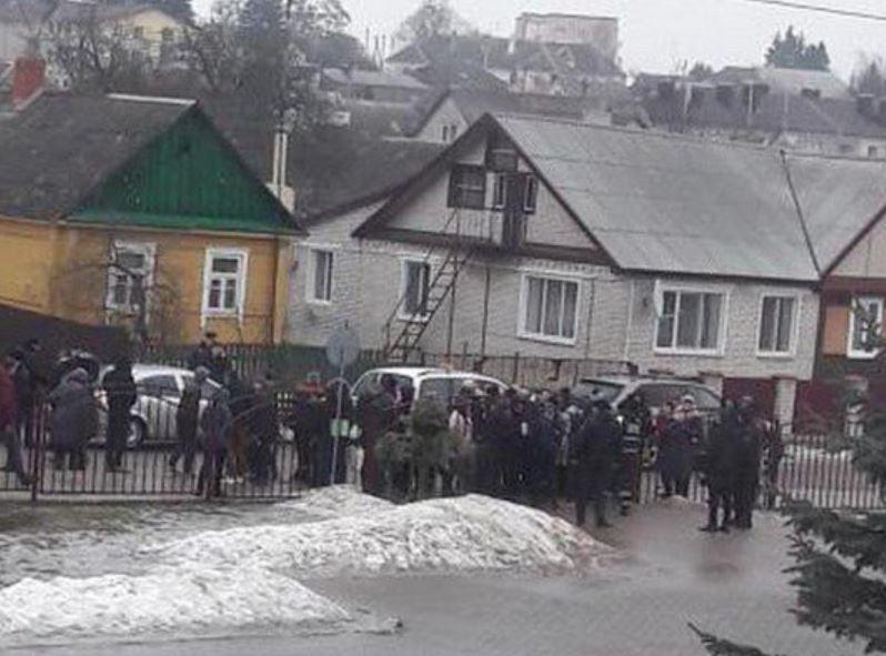 В Белорусской школе подросток зарезал учительницу и ребенка / TUT.BY