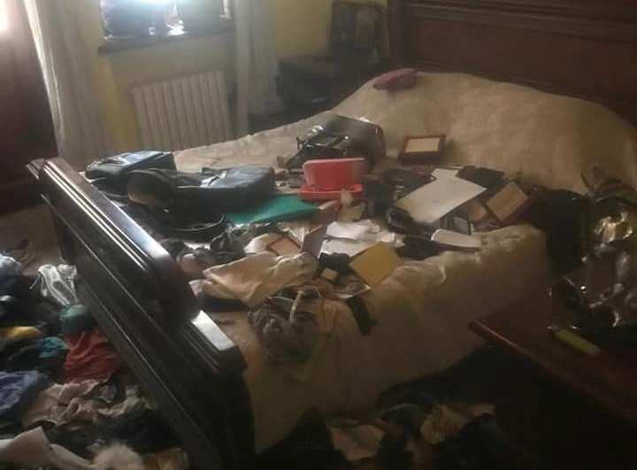 В квартире все перевернуливверх дном / фото Facebook/Ольга Богомолец