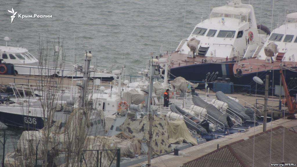 Россия возвращает Украине три военныхкатера \ krymr.com
