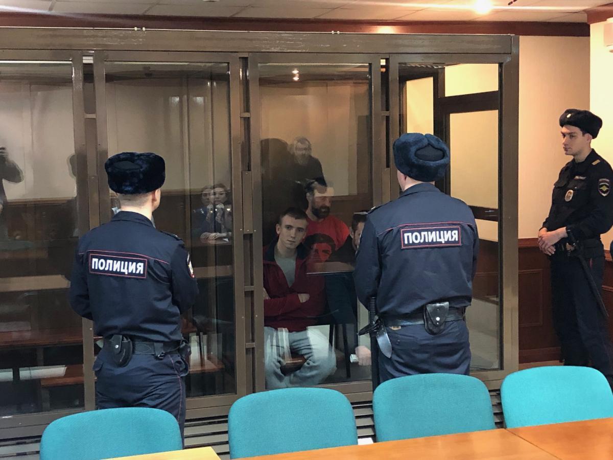 Суд в Москве признал законным продление ареста еще четырем украинским морякам / фото Роман Цимбалюк, УНИАН