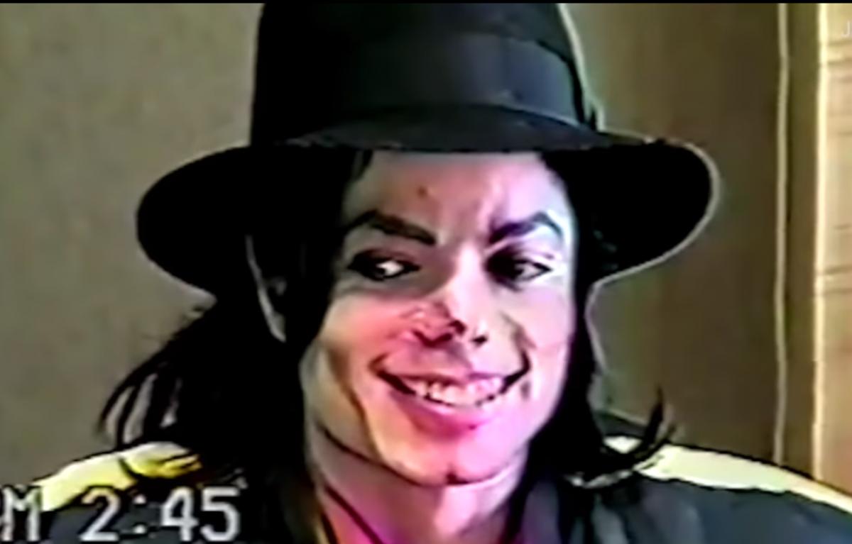 Допит Майкла Джексона по справі про педофілію / Скріншот