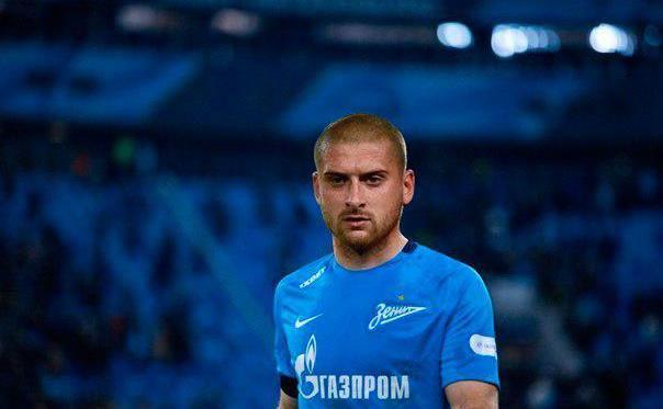 Ракицкий получил желтую карточку уже в первом матче за Зенит / fc-zenit.ru