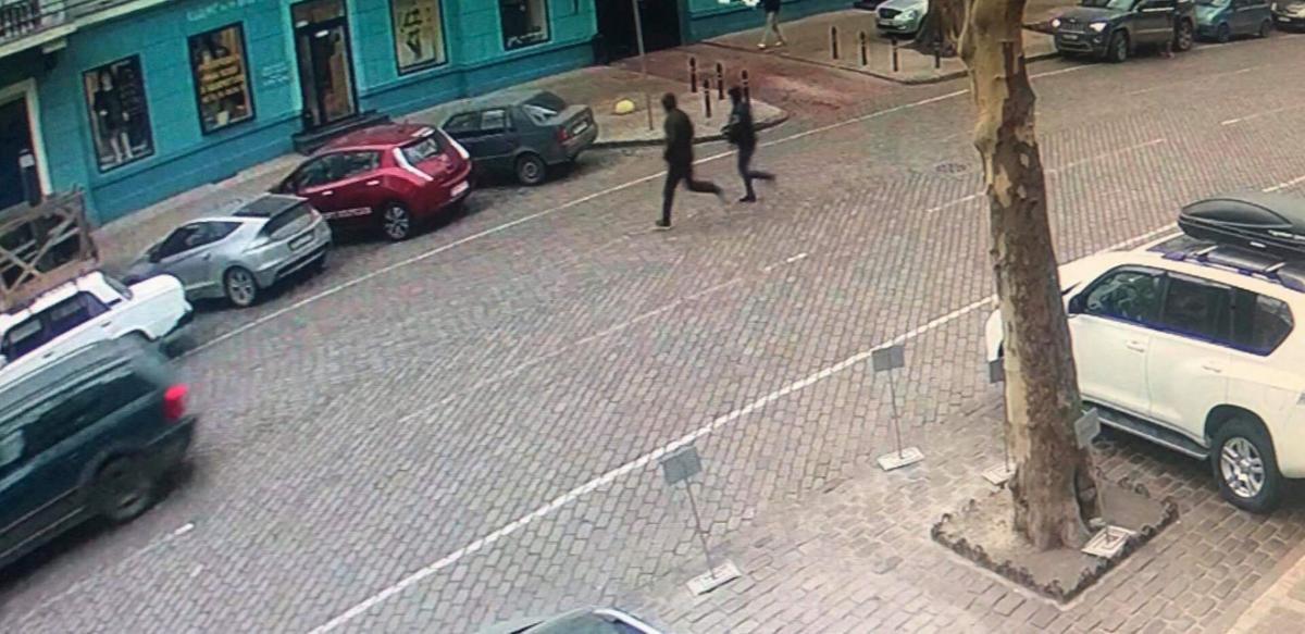 Двоє людей скоїли розбійний напад на чоловіка / Facebook Зої Мельник