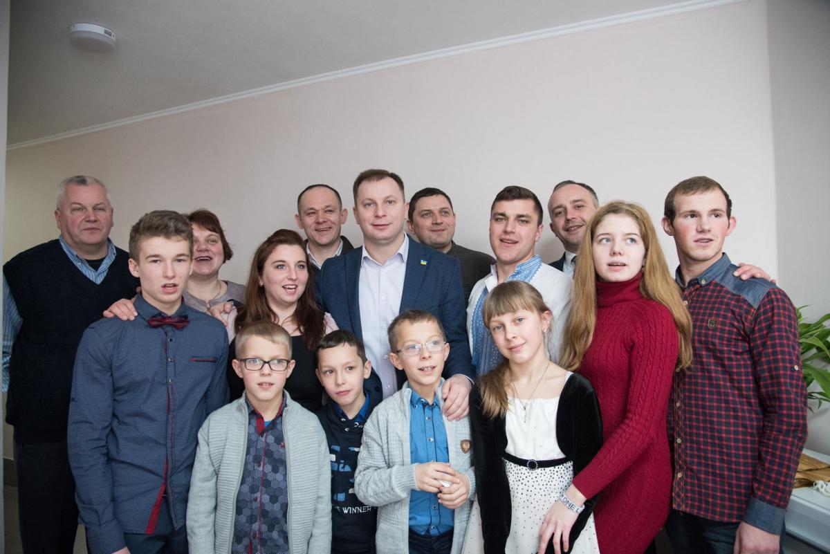Загалом у 2018 році на Тернопільщину спрямували понад 6 млн грн на придбання житла для дітей-сиріт \ фото: прес-служба ТОДА